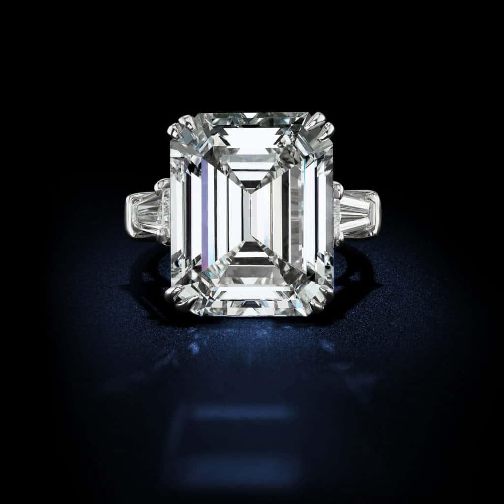 large-emerald-cut-diamond-ring-in-platinum