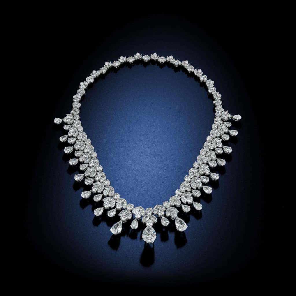 multi-shaped-pear-shaped-tiara-diamond-platinum-necklace