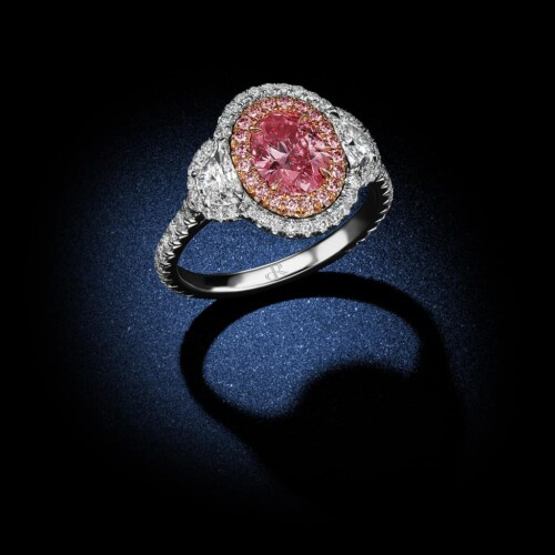 oval-shaped-fancy-intense-argyle-pink-diamond-ring