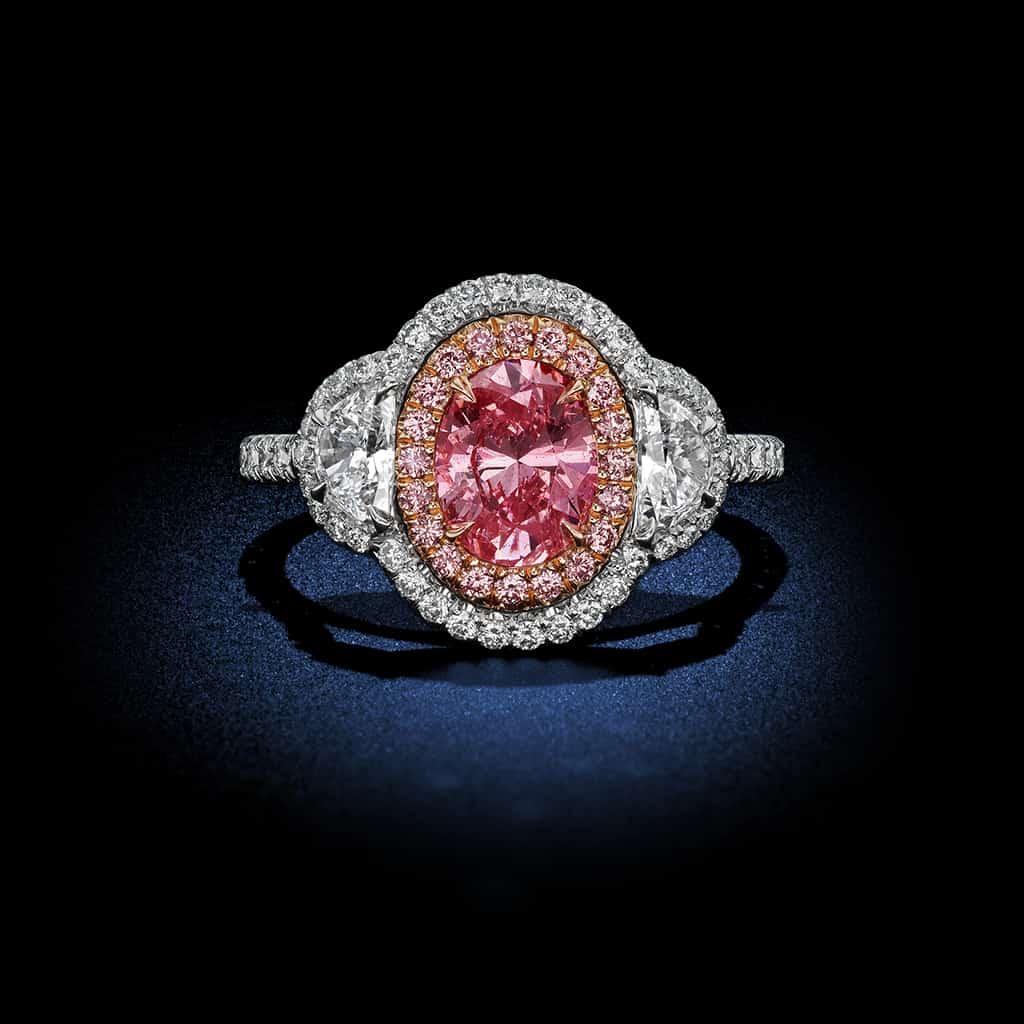 oval-shaped-fancy-intense-argyle-pink-diamond-ring