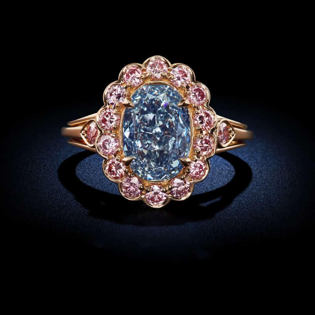 Oval-Shaped-Fancy-Vivid-Blue-Diamond-Ring
