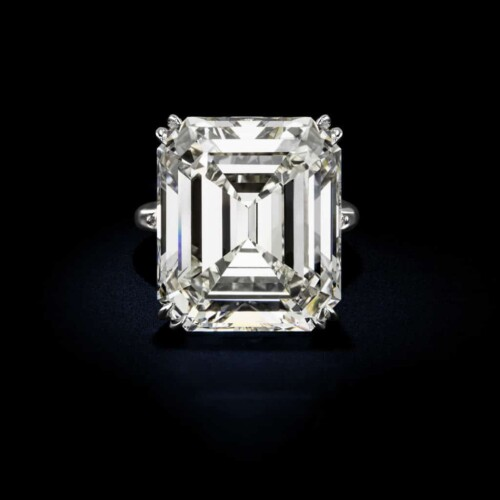 Large-Emerald-Cut-White-Diamond-Platinum-Ring