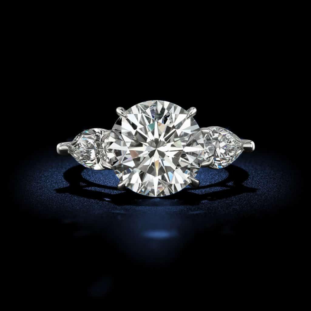 classic-round-brilliant-diamond-engagement-ring