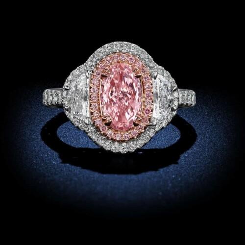 oval-shape-internally-flawless-fancy-light-pink-diamond-engagement-ring
